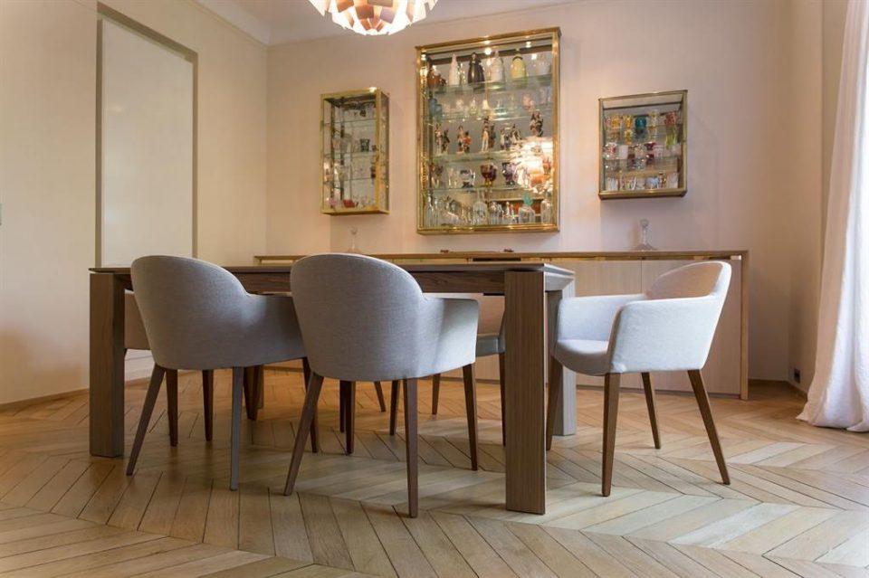 Chaise salle a manger bois clair le monde de l ale monde for Salle a manger bois clair