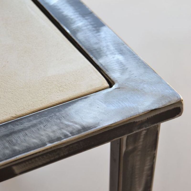 chaise acier le monde de l a. Black Bedroom Furniture Sets. Home Design Ideas
