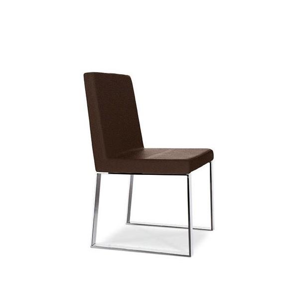 Chaise design cuir le monde de l a for Chaise cuir design