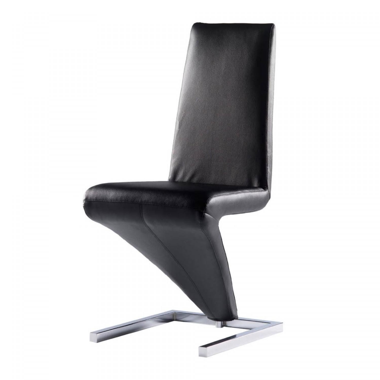 Chaise moderne noir le monde de l a for Chaise noir moderne