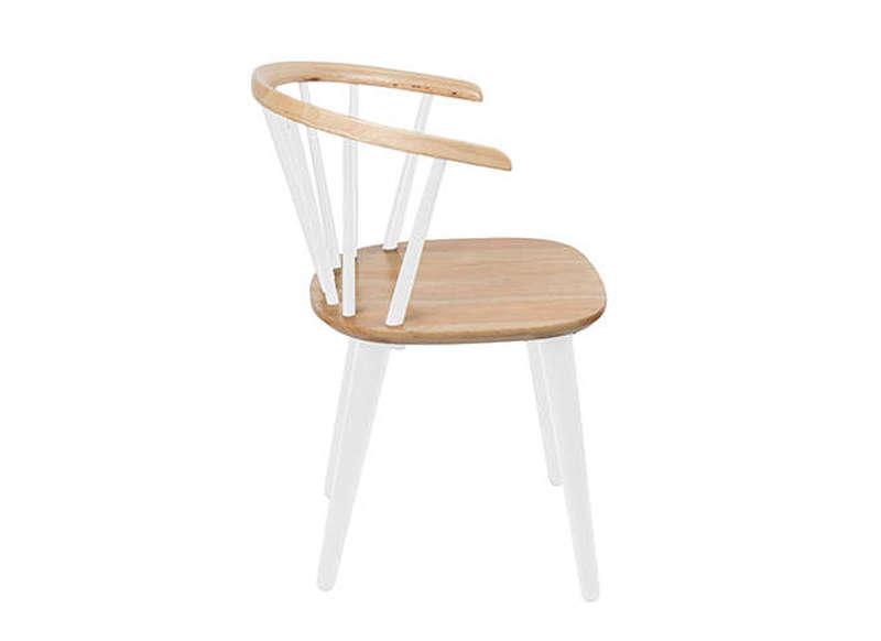 Chaise pied bois design le monde de l a for Le monde de la chaise