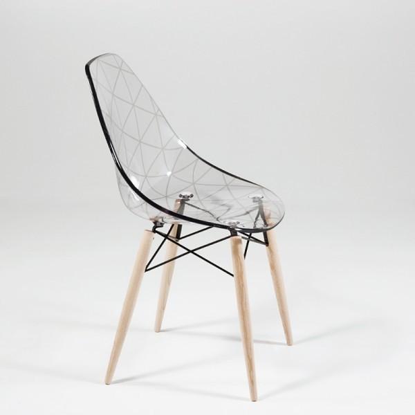Chaise transparente bois Le monde de Léa