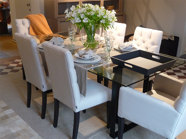 Chaises pour salle manger le monde de l a for Chaise haute pour salle a manger