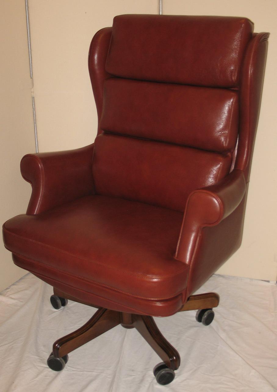 chaise bureau cuir marron le monde de l a. Black Bedroom Furniture Sets. Home Design Ideas