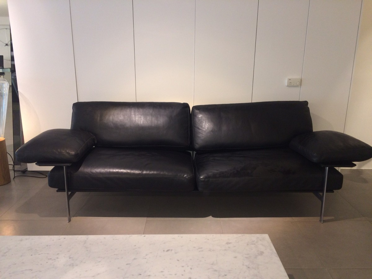 mobilier design occasion le monde de l a. Black Bedroom Furniture Sets. Home Design Ideas