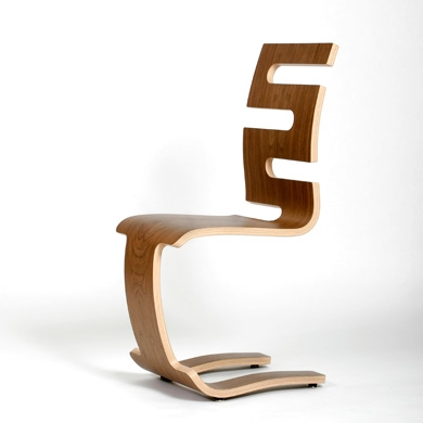 Chaise design en bois le monde de l a for Chaise en bois design