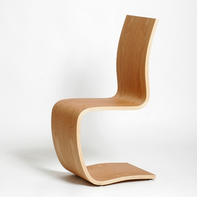 Chaise design bois naturel le monde de l a for Chaise design bois et cuir