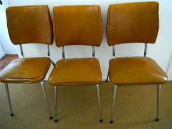 chaise de cuisine vendre le monde de l a. Black Bedroom Furniture Sets. Home Design Ideas