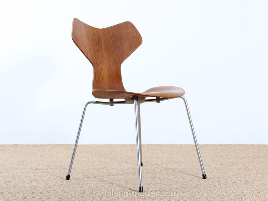 prix chaise le monde de l a. Black Bedroom Furniture Sets. Home Design Ideas