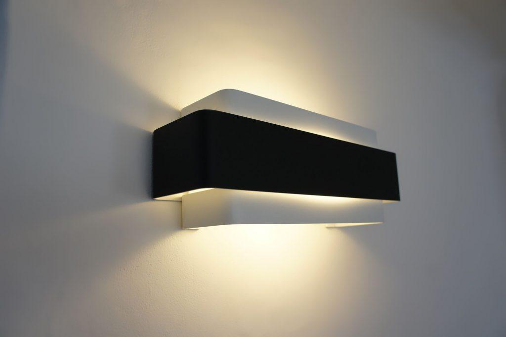 applique murale design noire le monde de l a. Black Bedroom Furniture Sets. Home Design Ideas