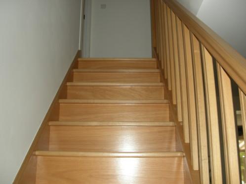 applique murale escalier le monde de l a. Black Bedroom Furniture Sets. Home Design Ideas