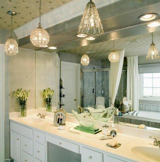 luminaire pour salle de bain le monde de l a. Black Bedroom Furniture Sets. Home Design Ideas