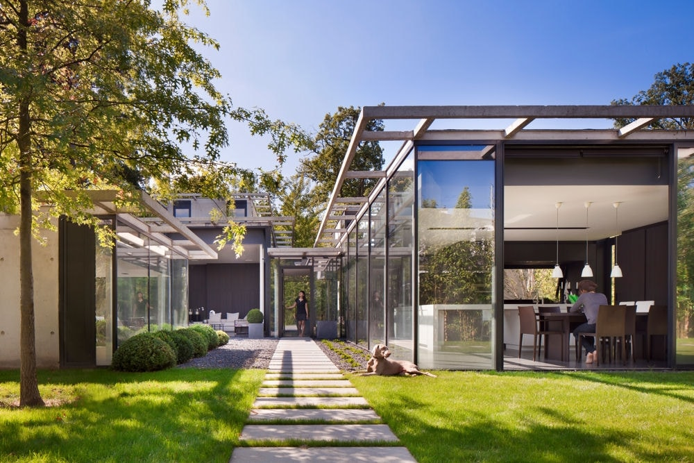 Les belles maisons modernes le monde de l a for Les belles maisons modernes