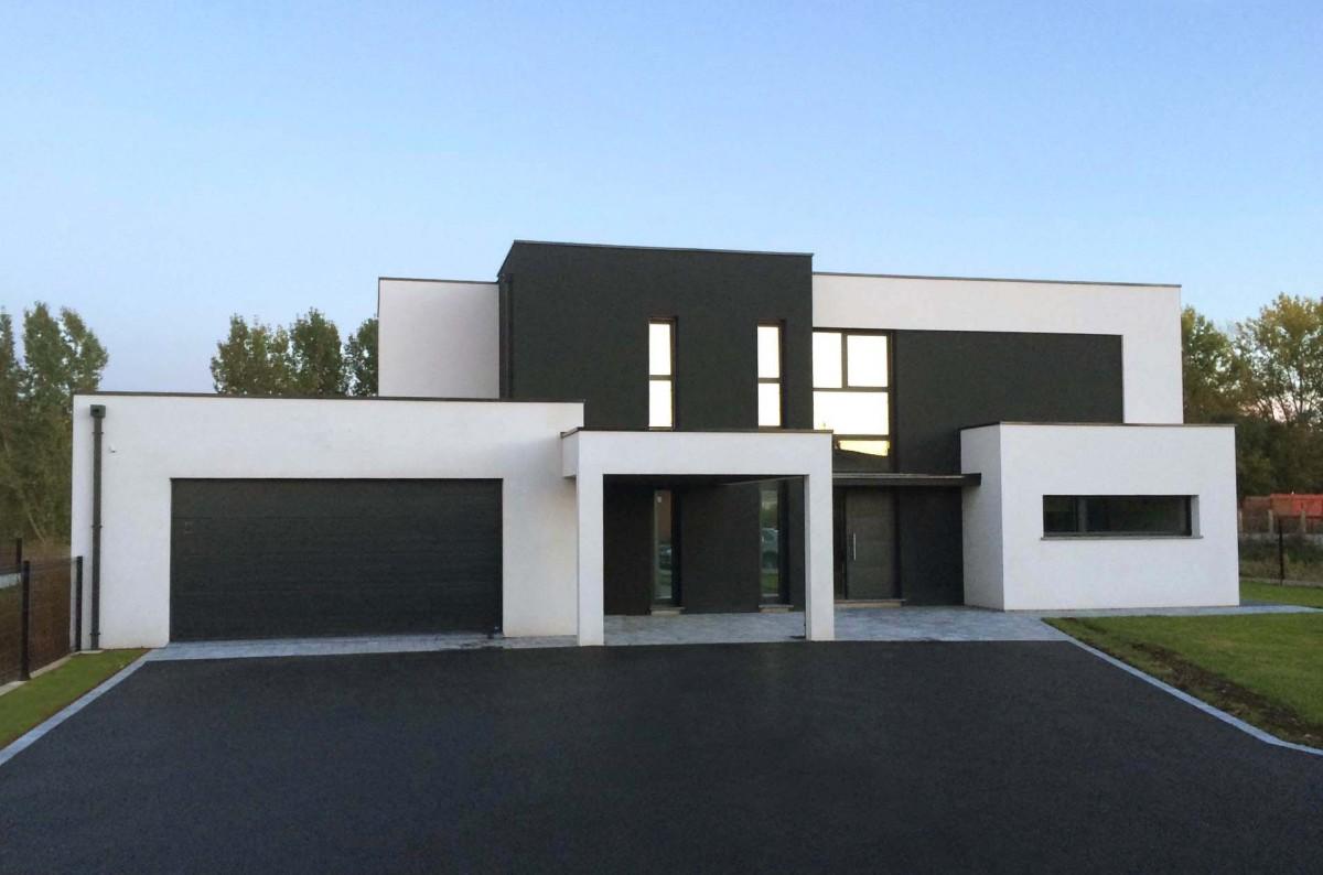 Constructeur maison cubique le monde de l a for Constructeur maison 18