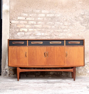 buffet scandinave vintage le monde de l a. Black Bedroom Furniture Sets. Home Design Ideas