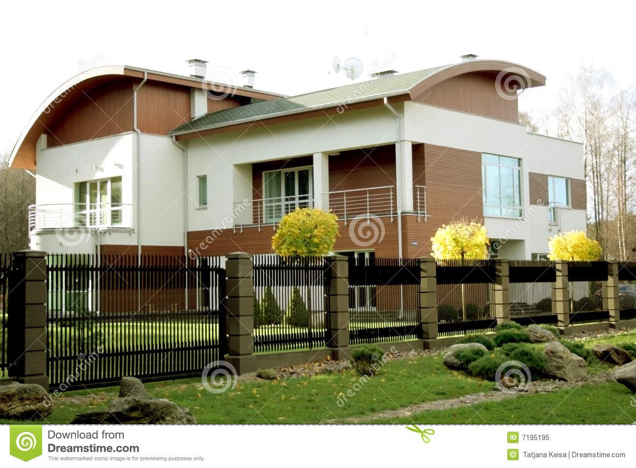 Maison moderne americaine le monde de l a for Maison classique moderne