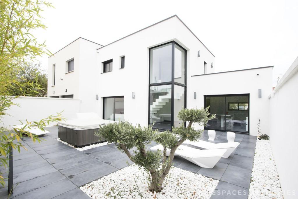 Prix maison moderne toit plat - Le monde de Léa
