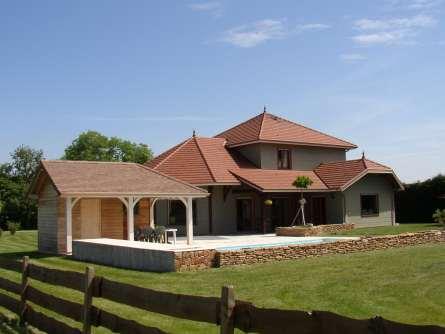 Constructeur maison bois le monde de l a for Constructeur maison bois contemporaine 77