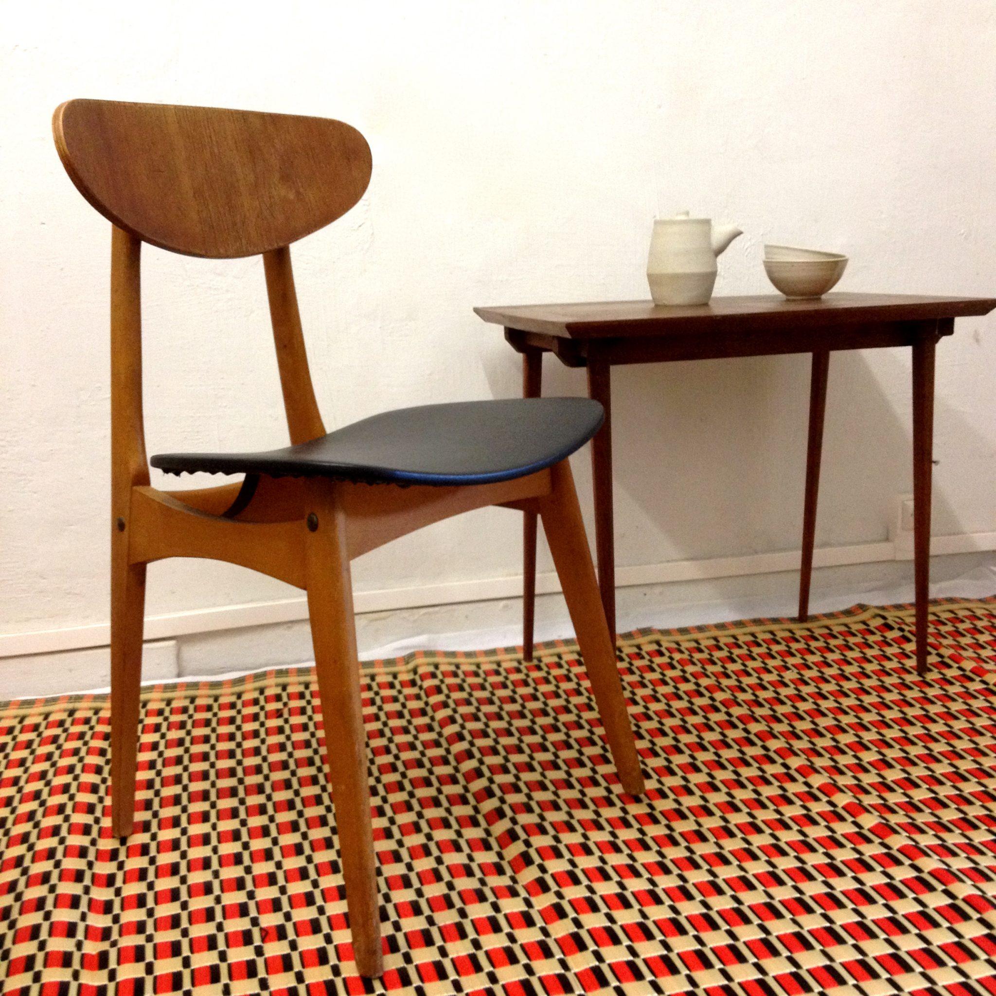 chaise vintage style scandinave le monde de l a. Black Bedroom Furniture Sets. Home Design Ideas