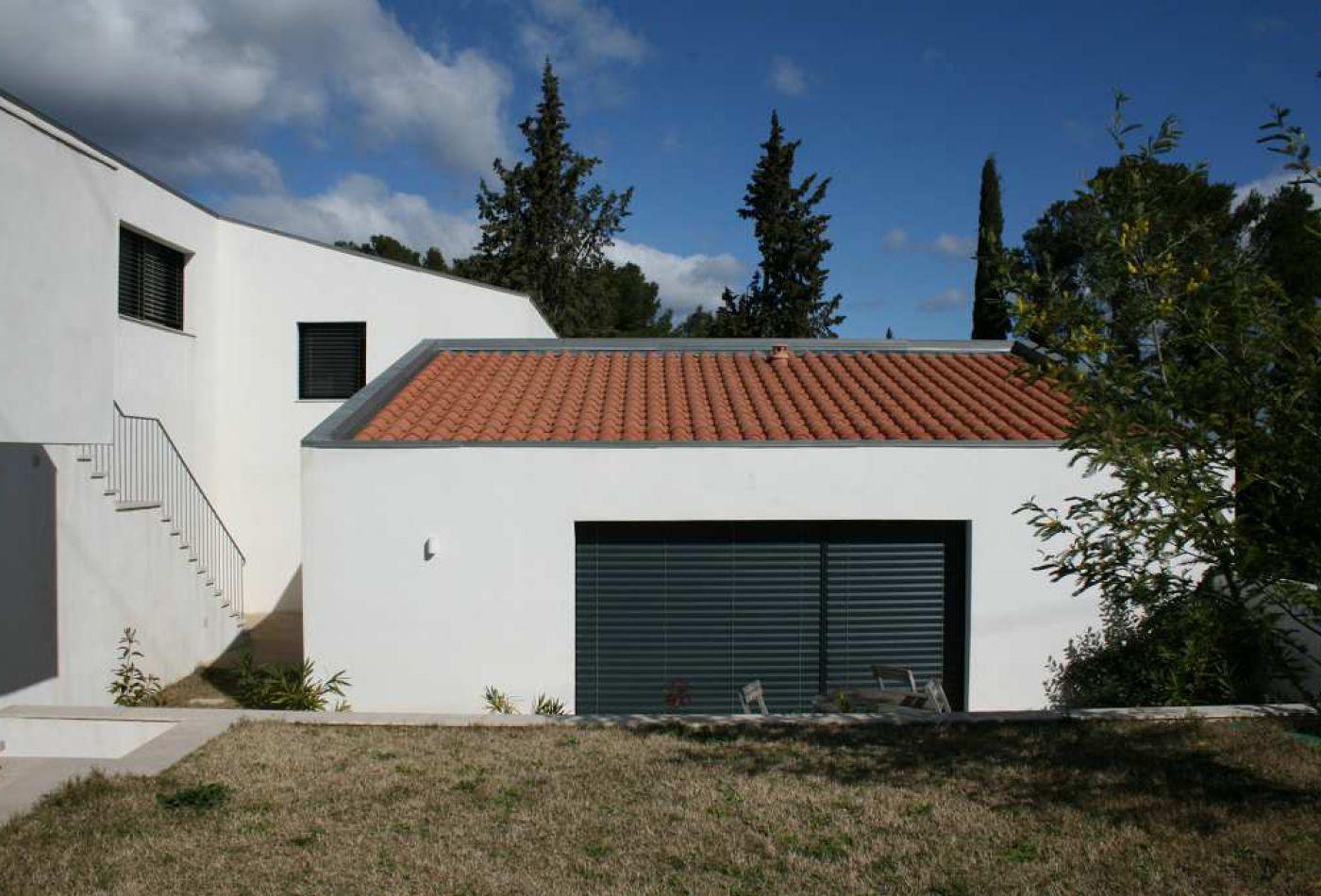 Maison moderne sans toit finest maison toit plat noyer for Maison moderne sans toit