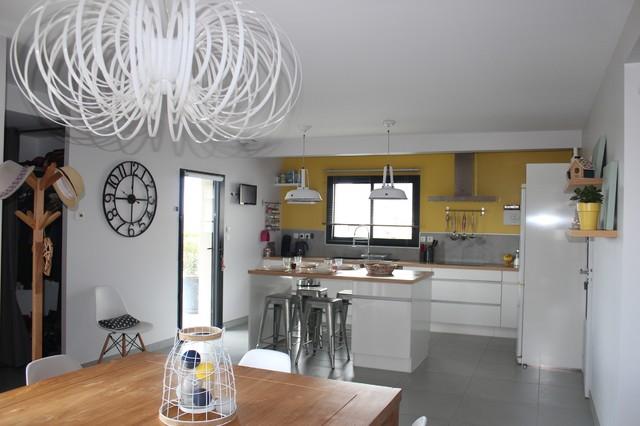 petite cuisine scandinave le monde de l a. Black Bedroom Furniture Sets. Home Design Ideas