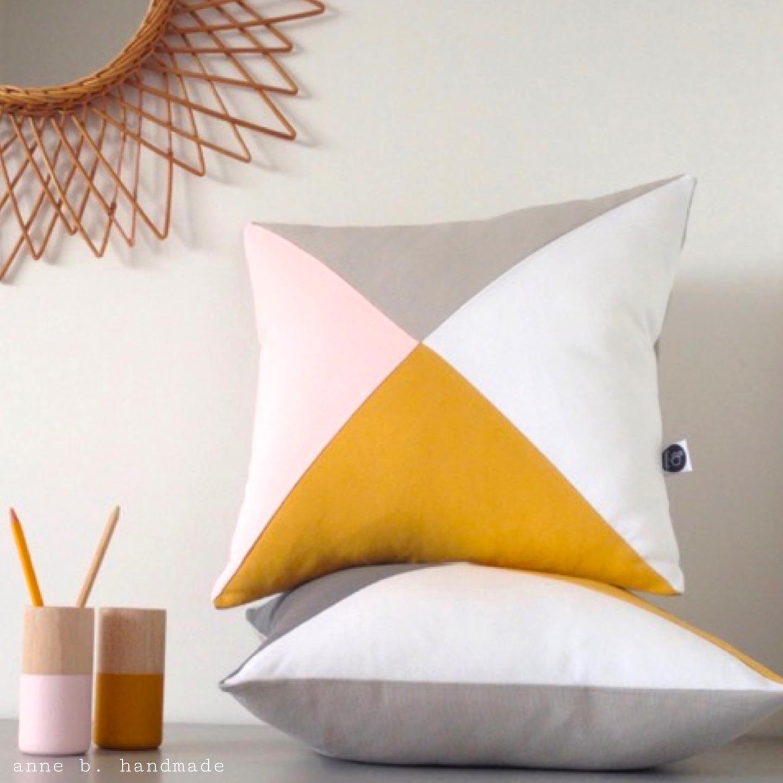coussin scandinave rose le monde de l a. Black Bedroom Furniture Sets. Home Design Ideas