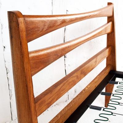 lit scandinave vintage le monde de l a. Black Bedroom Furniture Sets. Home Design Ideas